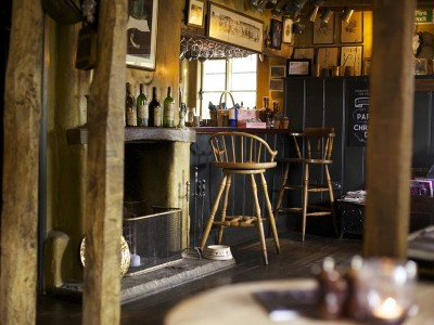 A31 dog-friendly country pub and dog walk, Hampshire - Driving with Dogs