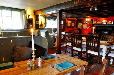 Dog-friendly coaching inn near Duxford museum and the M11, Cambridgeshire - Driving with Dogs