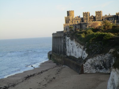 Kingsgate Bay dog-friendly beach, Kent - Driving with Dogs