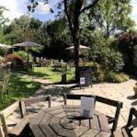 A386 Dog-friendly inn and dog walks near Dartmoor, Devon - Dog-friendly pubs in Devon.jpg