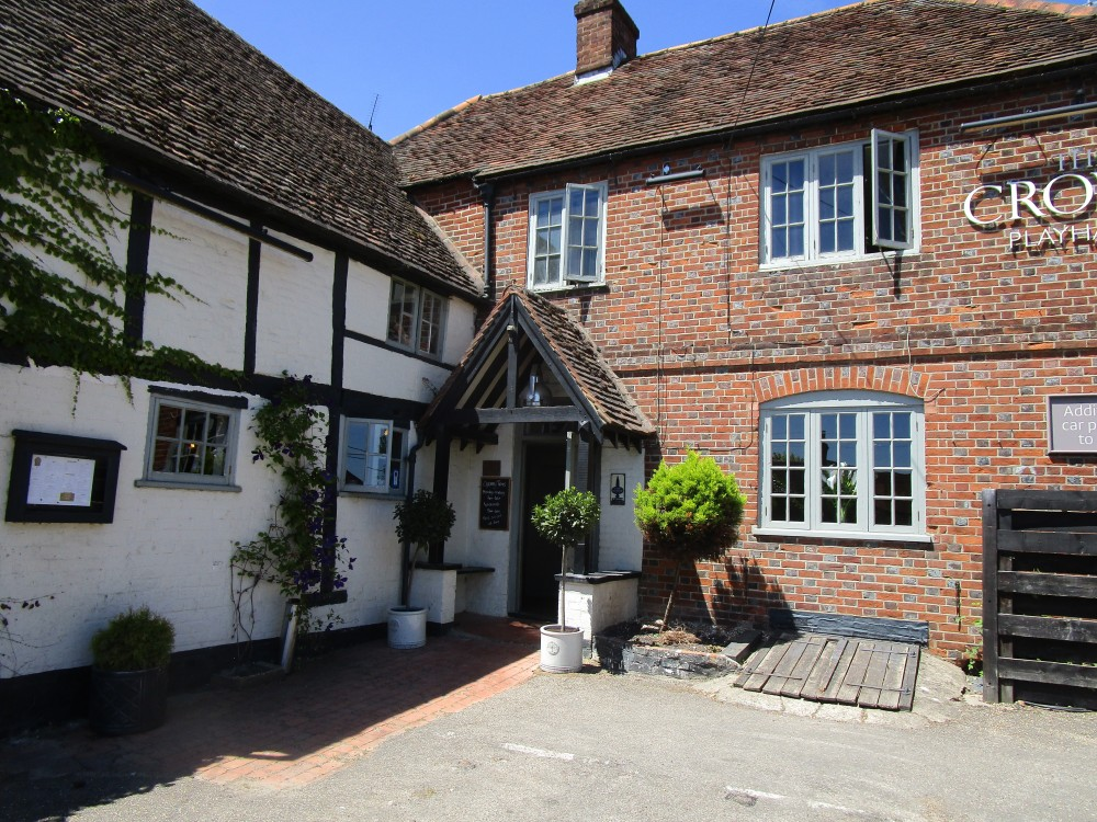 Reading dog friendly pub and dog walk, Oxfordshire - Oxfordshire dog walk and dog-friendly pub