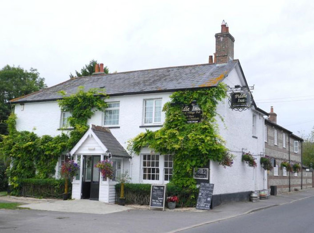 Piddle pub and dog walk, Dorset - Dorset dog-friendly pub and dog walk