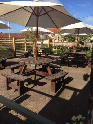 A149 Dog-friendly pub with B&B in Lord Nelson's birth town, Norfolk - Driving with Dogs