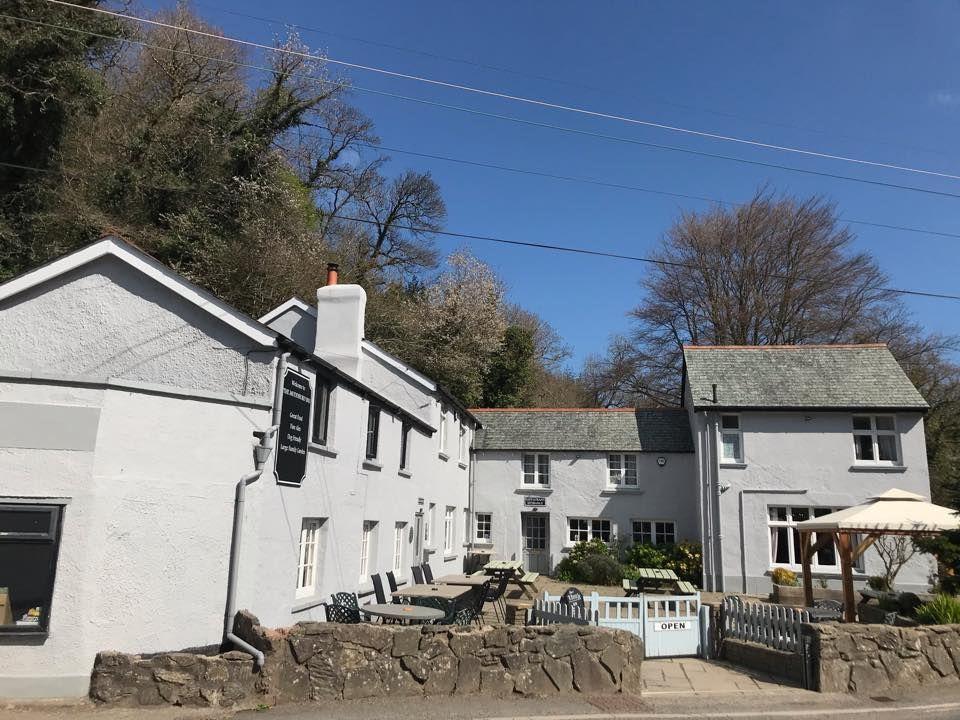 A39 dog-friendly pub and dog walk near Barnstaple, Devon - Devon dog-friendly pub and dog walk