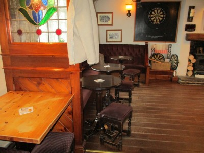 Traditional dog-friendly pub and dog walk near Hinckley, Leicestershire - Driving with Dogs