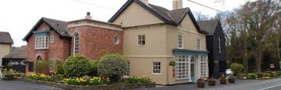 Mottram Cross dog walk and dog-friendly pub, Cheshire - Driving with Dogs
