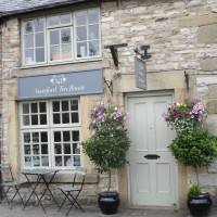 Riverside dog walk and dog-friendly refreshments, Derbyshire - White-Peak-dog-friendly-pub-and-dog-walk