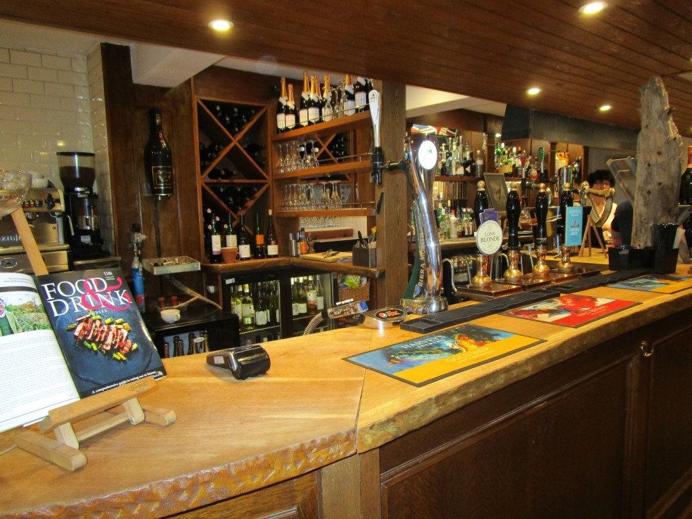 A286 dog-friendly pub and dog walk near Goodwood, West Sussex - Sussex dog-friendly pub and dog walk.JPG