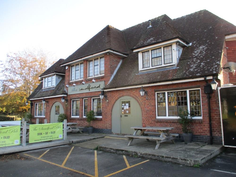 A351 Family and dog-friendly pub near Wareham, Dorset - dog-friendly Dorset.JPG