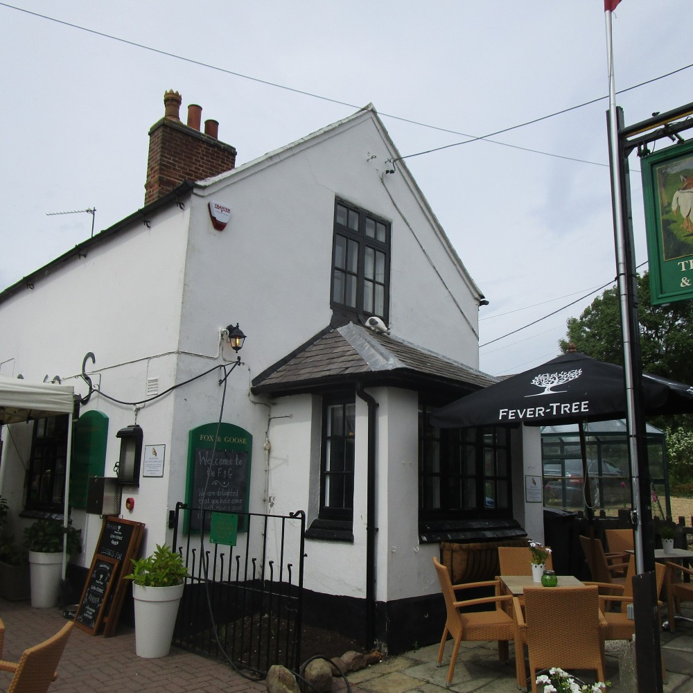 A6 doggiestop with walk and dog-friendly pub, Leicestershire - Leicestershire dog walk with dog-friendly pub