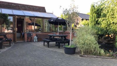 A5 dog-friendly pub near Leighton Buzzard, Bedfordshire - Driving with Dogs