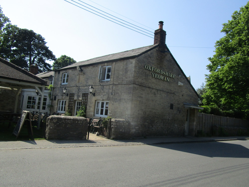 Witney area dog walk and dog-friendly pub, Oxfordshire - Dog walks in Oxfordshire