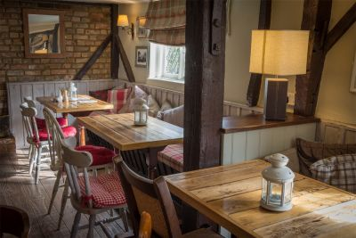 M1 Jct 12 dog-friendly pub and dog walk, Bedfordshire - Driving with Dogs