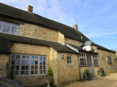 Cotswolds dog-friendly pub and dog walk, Gloucestershire - Driving with Dogs