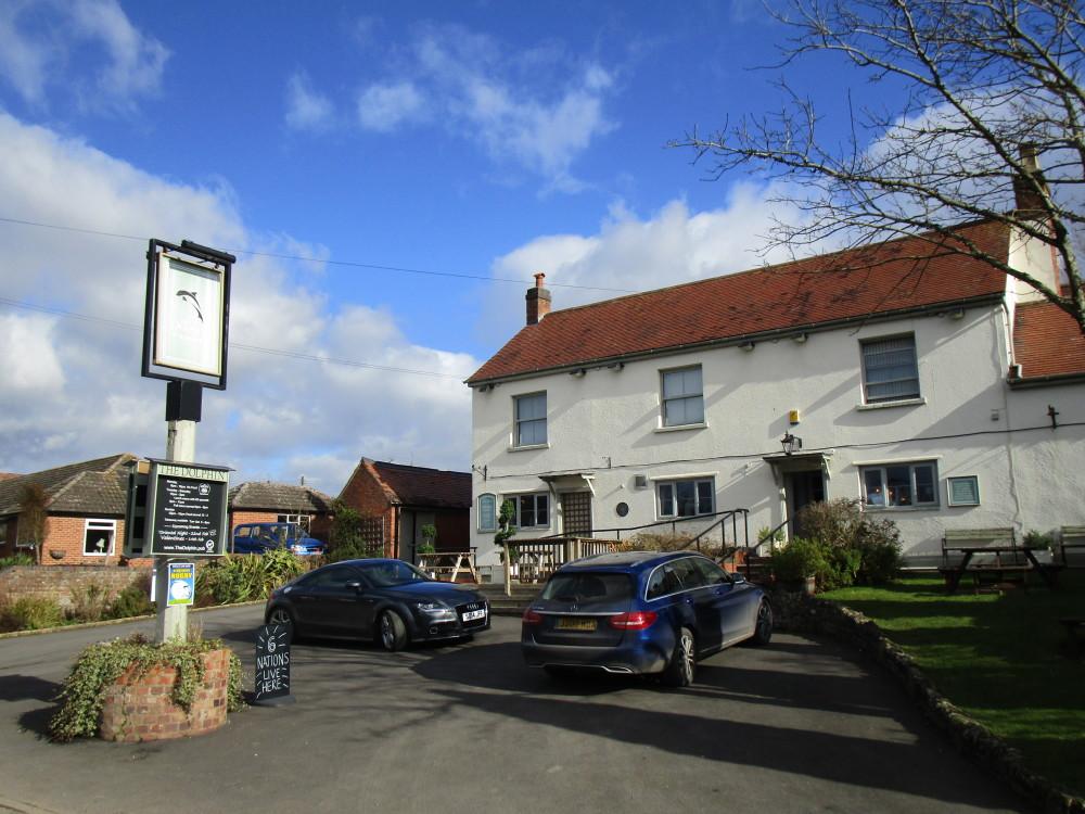 A44 rural dog walk and dog-friendly pub, Worcestershire - Dog walks in Worcestershire