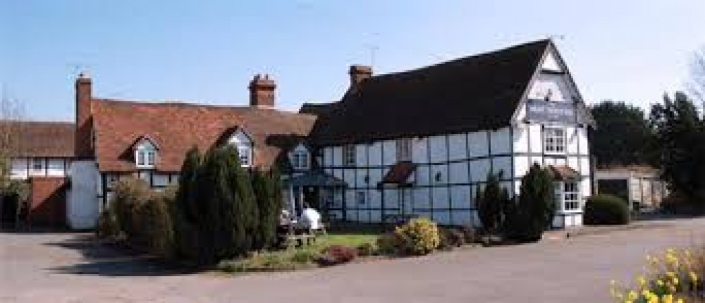 A435 near Alcester dog-friendly inn and dog walk, Warwickshire - Warwickshire dog walk with dog-friendly pub