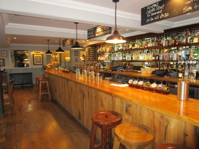 A25 dog-friendly pub near Oxted, Surrey - Driving with Dogs