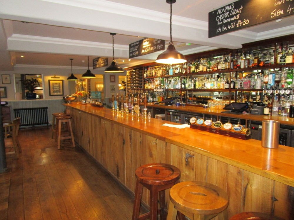 A25 dog-friendly pub near Oxted, Surrey - Surrey dog-friendly pubs.JPG