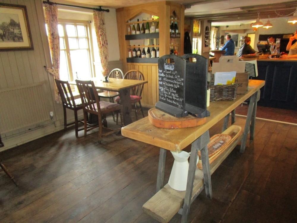 A281 Dog-friendly pub near Rudgwick, West Sussex - Sussex dog-friendly pubs and dog walks.JPG